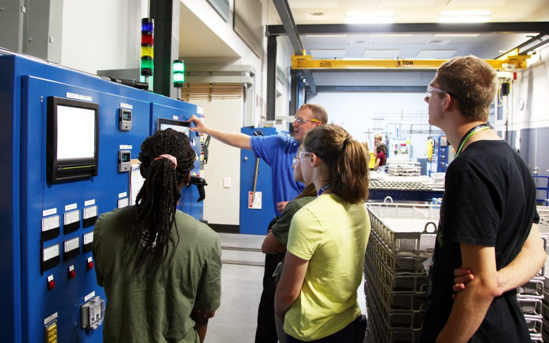 Students from Lehigh's Summer Engineering Institute Tour Solar Atmospheres