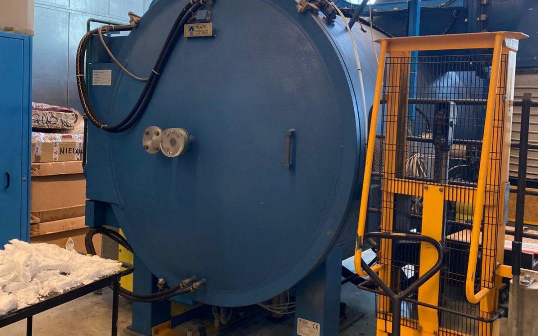 Item#VF381 TAV Horizontal Vacuum Furnace LOCATED IN THE UK