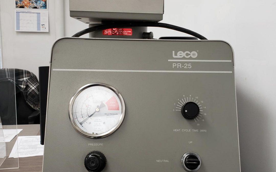 Item# L51 Leco Model 814-200 Mounting Press
